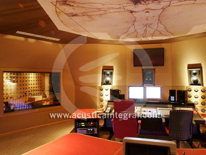 Acoustic Treatment in Professional Recording Studio